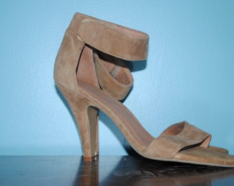 suede open toe shoes. size: 6