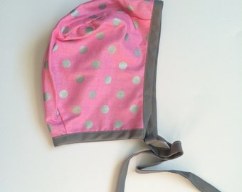 SALE! // Baby Bonnet// Reversible bonnet// Polka Dots, Grey, Gray, Pink // Baby Clothes// Baby Accessories // Hat, Baby Hat