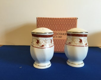 salt and pepper shakers 22k gold trim by Gold Coast