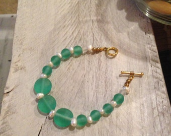 "Teal ""Sea Glass"" Bead and Pearl Bracelet"