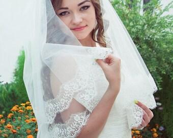 Mantilla bridal veil with chantilly lace