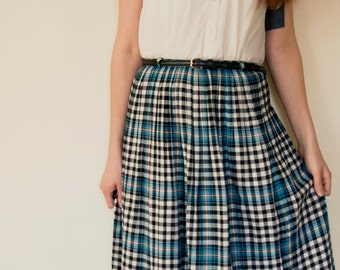 Small Vintage 1960s Plaid Blue, Black, Light orange, and White Striped Knee Length Cotton Skirt