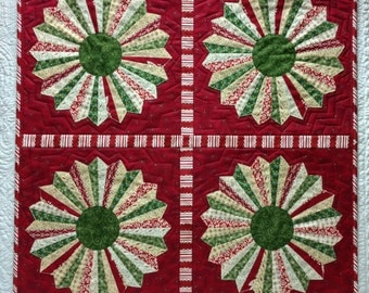 Dresden Holiday Wreath Quilt