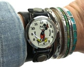 Mickey Mouse Watch / Vintage 1970s Walt Disney Productions Ladies Wrist Watch on Black Leather Strap / Bradley / Character Watch