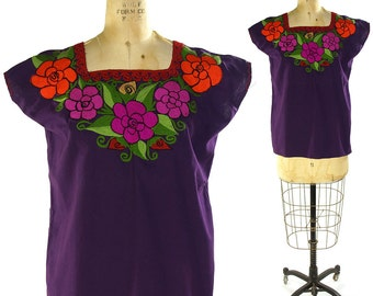 Embroidered Mexican Peasant Blouse / Vintage Purple Cotton Mexican Top with Floral Embroidery / Ethnic Traditional Hippie Boho Bohemian Folk