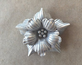 Thai Hill Tribe Silver Flower pendant (Item #P139)