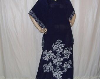 Batik Caftan Dress Indigo Blue White Vintage Maxi Angel wing Caftan Party Hand Waxed Singapore Slinky Hostess Hippie Adult M L Caftan