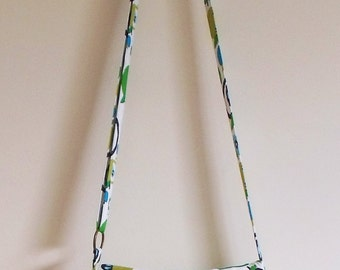Crossbody bag with adjustable strap, green apples print