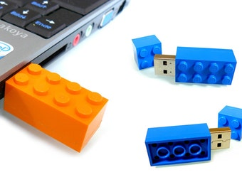 4GB to 8GB USB 2.0 Flash Drive in a original Lego® 2x4 Brick 7 available colours