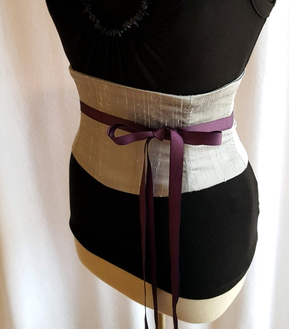 Sizing. Widths. Our obi belts are sold mostly in 3″ widths with a few 4″ ones because if you are not blessed with a supermodel torso a 3″ will work best and can also be worn lower down i.e. below the waist.