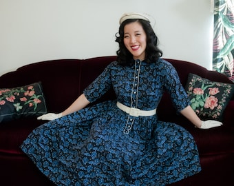 Vintage 1950s Dress - Charming Village Novelty Print 50s Day Dress with Full Skirt by Lanz