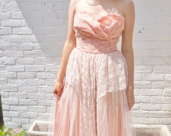 1950s Vintage Prom Dress Peach Pink Strapless Tulle