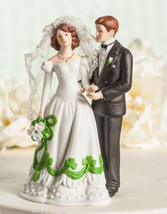 wedding cake toppers northern ireland and groom shamrock accent wedding cake topper 26556