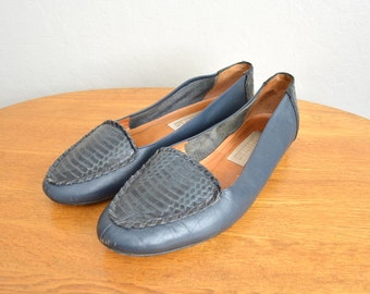 Size 8.5 // SNAKESKIN PATTERNED LOAFERS // Navy Blue - Leather Slip-Ons - Vintage '80s.