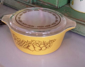 PYREX 'Old Orchard' Pattern ~ Round Casserole ~ #475B ~ 2.5 QT. ~ With Pattern Lid