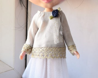 Lovely white with silver speckled net skirt for Blythe doll