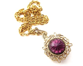 Vintage Unmarked Gold Tone Metal Reversible Purple Glass Cabochon & Gold Tone Metal Border Pendant Necklace