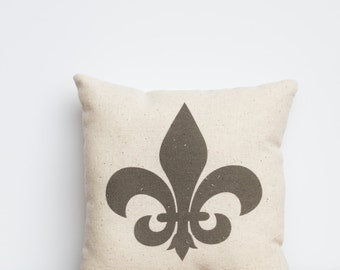 Fleur De Lis Design Pillow | Bridal Wedding Gift | Home Decor Accent Pillow | New Orleans Saints | Caytee's Crafts | Gift Idea for Her