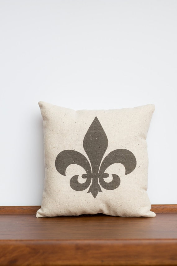 Fleur De Lis Design Pillow | Bridal Wedding Gift | Home Decor Accent Pillow | New Orleans Saints | Caytee's Crafts | Gift Idea for Her