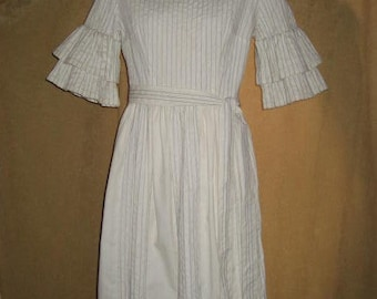 Dress Pintuck Cream Color 60s 70s Vintage