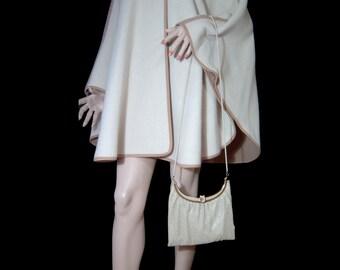 Pretty 1970s cream tan metal mesh cross body purse ~ goldtone metal ~ shoulder bag ~ thick snake chain strap ~ made in Australia by Glomesh