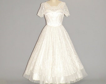 50s Wedding Dress, 1950s Tea Length Lace and Tulle Wedding Dress with Sweetheart Illusion Bodice