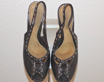 Vintage BCBG Max Azria Italian Black Leather Peep Toe Pumps with Top Stitching Detail / Peep Toe Pumps / Rockabilly Pin Up Shoes  Sz 9