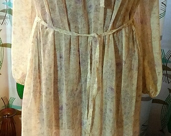 Plus Size 70s Hippie Boho Style Dress with Purple Flowers