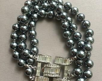Kenneth J Lane Grey Pearl Bracelet Rhinestone Clasp