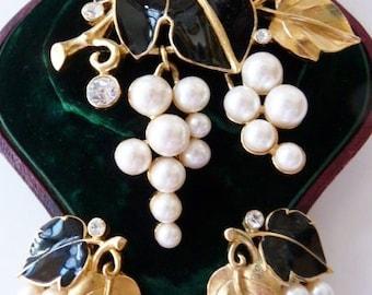 Kunio Matsumoto Trifari grapes leaves brooch pin earring set | very rare vinatge collectible | designer signed vintage jewelry