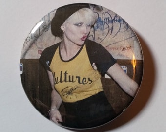 Debbie Harry Blondie pin badge Vultures cbgb punk style icon retro style pinback button hand pressed 2-1/4 inch pin