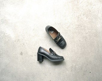 Vintage 90's black leather loafer pumps, chunky heel, stacked heel, size 38, 7.5