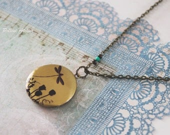 Dragonfly Locket Necklace.  Vintage Style Locket Necklace. Photo Necklace. Photo Locket. Gift For Her (LN-31)