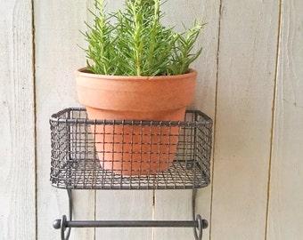 Basket & Towel Rod , Bathroom Organization, Kitchen Organization , Industrial Kitchen , Industrial Bathroom,  Farmhouse Kitchen ,Wire Basket