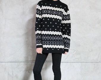 sweater, jumper, black white grey knit sweater, 90s vintage fair aisle geometric pattern,pullover, minimal, womens medium m