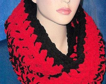 Black Crochet Infinity Scarf, Red Crochet Infinity Scarf, Black Chunky Infinity Scarf, Crochet Scarf, Chunky Crochet Scarf, Winter Scarf
