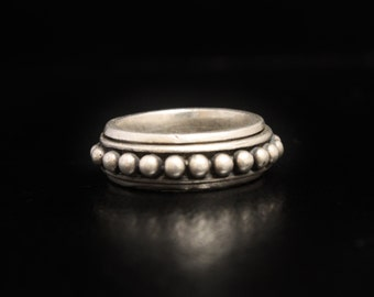 Caviar Sterling Spinner Ring Silver Bead Ring Size 8