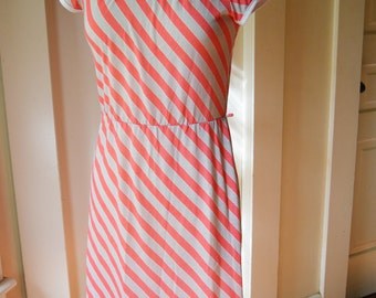 Bright Stripes Jersey Shirt Dress Boatneck Cap Sleeve  Day Dress grey red and white
