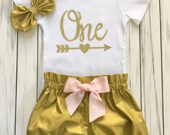Girls 1st Birthday Onesie Outfit, Bloomers, Knot Bow Headband, One Gold with Arrow Carters Onesie, Baby Girl Outfit, Pink and Gold 1st Party