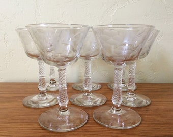 Vintage Etched Floral Cordial Glasses Set of 8 Intricate Stem Aperitif Liqueur Sherry Mid Century Flower Stemware Barware Shot Glasses
