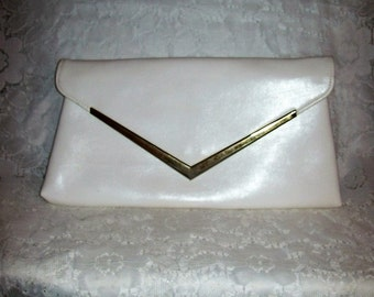 Vintage 1960s Ladies White Envelope Clutch Bag Only 6 USD