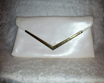 Vintage 1960s Ladies White Envelope Clutch Bag Only 8 USD
