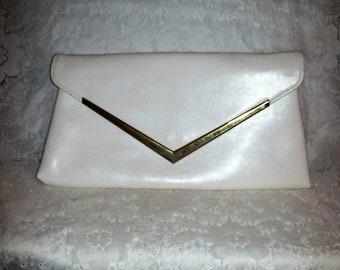 Vintage 1960s Ladies White Envelope Clutch Bag Only 7 USD