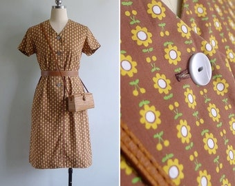 Vintage 70's Kitschy Yellow Sunflower Print Cotton Shift Dress S or M