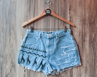 High waist vintage denim shorts | Ripped distressed shorts | Giraffe animal safari denim shorts | Painted aztec tribal denim
