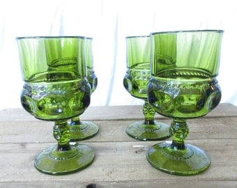 Four  Kings Crown Thumbprint Green Wine Glasses/Vintage Green Goblets/Christmas Wine Toasting Glasses