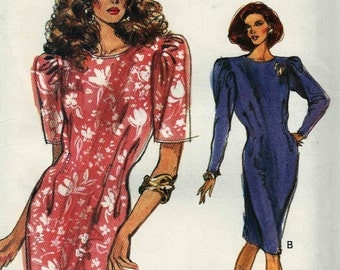 PATTERN Vogue 7469 Loose fit dress with front and back waist darts tapered skirt long/short sleeves Size 18-20-22 Very Easy Vogue (uncut)