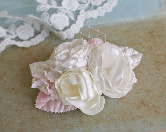 SALE - Bridal Headpiece, Vintage Style Wedding Hair Accessory Small Bouquet Hair Clip Bridal Flower Clip Bridal Hairpiece Ivory Cream Blush