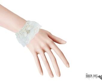 W11 Sweet Lolita Cream Bead Drop Wrist Cuffs
