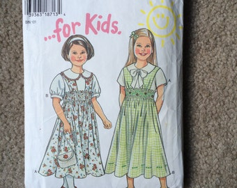 Girl's Jumper and Blouse Pattern, Back to School Dress, Blouse with Peter Pan Collar, New Look 6486 Sizes 4 - 9